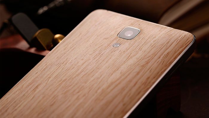 Smartphone Xiaomi Mi Note with Bamboo back side